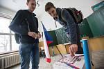 Druhé kolo studentských prezidentských voleb na chotěbořském gymnáziu.