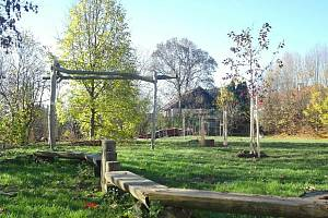 Zahrada v Kuřimi se mění s podporou Sousedských projetů a Nadace Via.