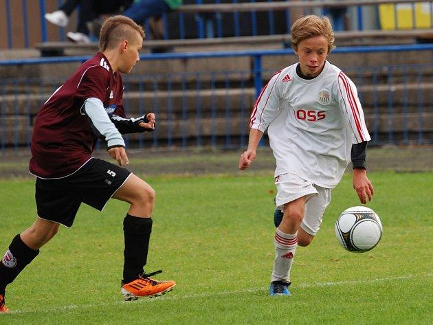Penalta. Ta rozhodla v poslední minutě o prohře starších žáků se Slováckem 3:4.