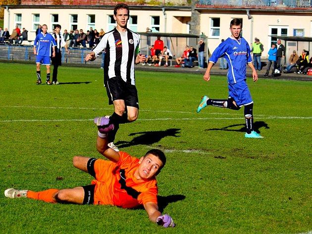 Slabší chvilku si v zápase s Moravskými Budějovicemi vybral gólman Slovanu Lukáš Kučírek (na snímku), který v 55. minutě zápasu pustil plachtící střelu domácího Kyzlinka z 35 metrů. V dalších šancích ale svůj tým podržel.