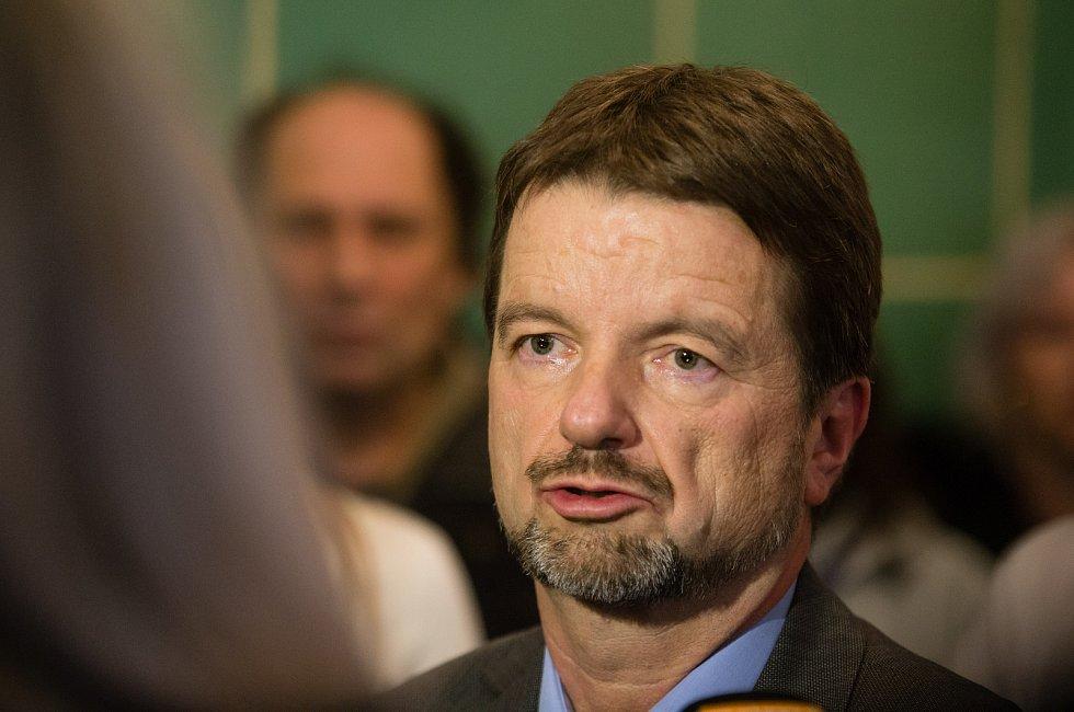 Ministr zdravotnictví Adam Vojtěch v pátek 21. února navštívil Psychiatrickou nemocnici Havlíčkův Brod. Na snímku Statutární zástupce Jiří Konrád.