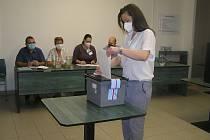 Tak vypadaly volby do Poslanecké sněmovny  ve Světlé ve věznici.