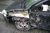 K nehodě dvou nákladních a jednoho osobního auta vyjížděli ve středu hasiči k Pohledu na Havlíčkobrodsku.