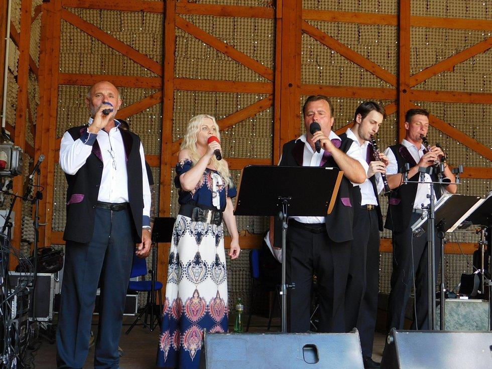 Na dobrohostvské přehlídce dechovek zahrála kapela Havlíčkobrodská 12.
