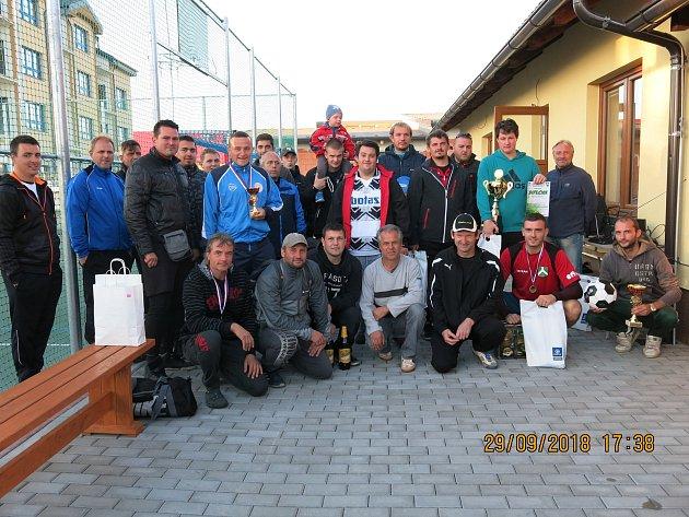 Ždíreckého turnaje se zúčastnilo deset týmů.