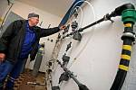 Stoprocentní hygiena. Chlorování pitné vody provádějí podle Bohumila Juna zaměstnanci plynným chlórem za  přísných bezpečnostních opatření.