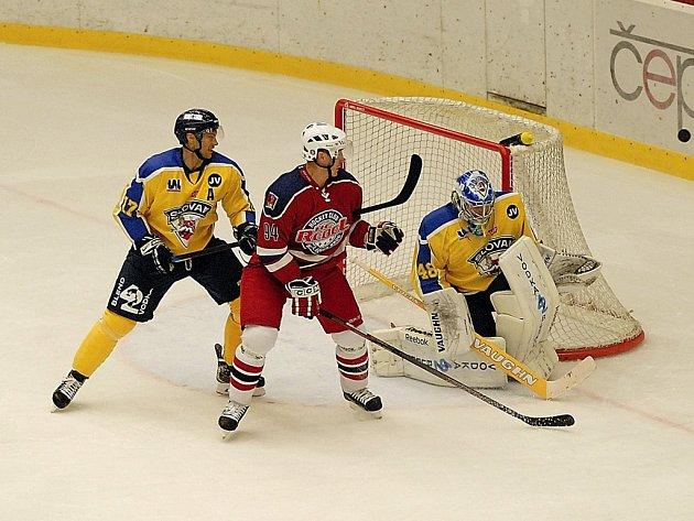 Havlíčkobrodský trenér Vladimír Jeřábek byl po utkání nespokojen s defenzivou svého týmu, která Ústí téměř darovala tři branky, které nakonec byly rozhodující.