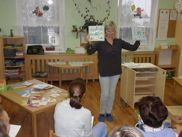 """Projekt """"Logo hrátky – bezva hrátky"""" je zaměřený na podporu rozvoje dětské řeči, na získání didakticko – metodických pomůcek a materiálů pro hravé činnosti s dětmi."""