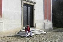 Turisté, kteří kostel v Zahrádce navštěvují by mohli slyšet v budoucnu i hlas jeho zvonu.