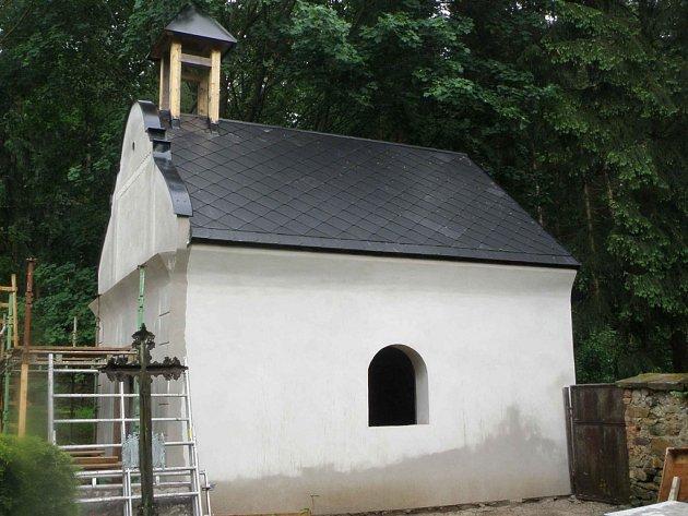 Kaple v Zahrádce byla opravena díky financím povodí Vltavy.