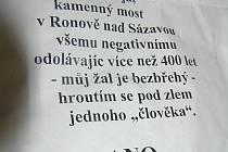 Anonymní leták obviňuje skrytě starostu Štefáčka z devastace mostu v Ronově.