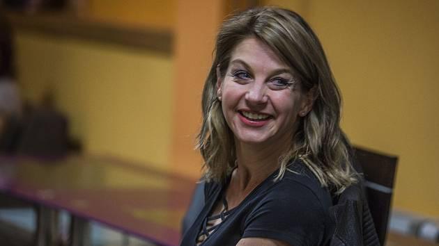Oblíbená herečka se představila v Kavárně Chotěboř. Příštím hostem bude Valerie Zawadská.