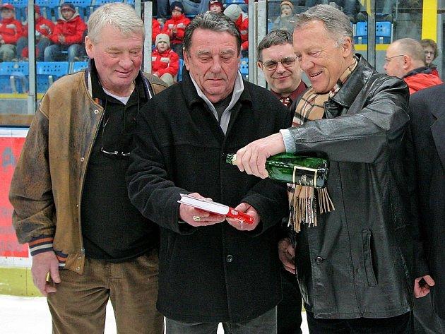 Novou knihu Souška pokřtil ve čtvrtek večer v havlíčkobrodské Kotlině její hlavní hrdina, legendární hokejový obránce Jan Suchý.