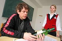 Petr Doležal vínu rozumí a vychovává k lásce k vínu další. Jeho snem je, aby v každé lepší restauraci pracoval sommeliér, který zákazníkovi nabídne kvalitní víno a dokáže o něm leccos povědět.