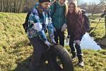 Zajímavým úlovkem byla i pneumatika.