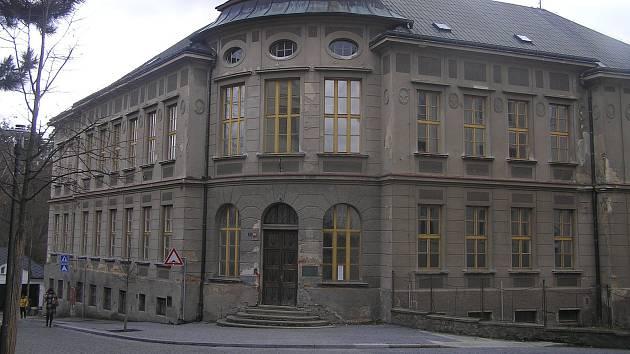 Budova bývalé obchodní akademie.