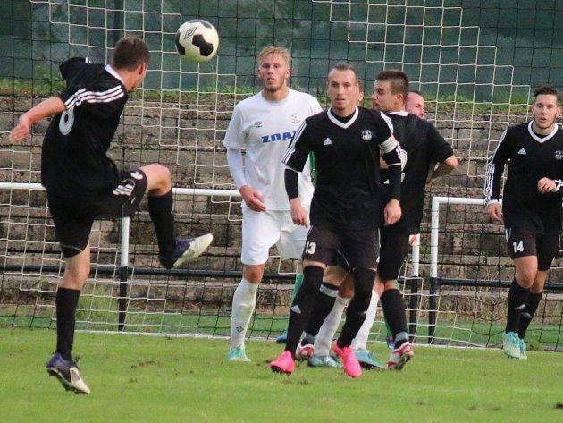 O tři body se chtějí v neděli Na Losích od 16 hodin porvat fotbalisté brodského Slovanu proti třináctým Kozlovicím. Budou svěřenci trenéra Richarda Zemana úspěšní?