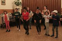 Ve čtvrtek měli tanečníci předposlední zkoušku před jejich Dnem D.