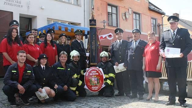 Oslavy výročí. Hasičský sbor v Lipnici nad Sázavou vznikl už před 140 lety a výročí si jeho členové připomínali o víkendu bohatým kulturním programem.
