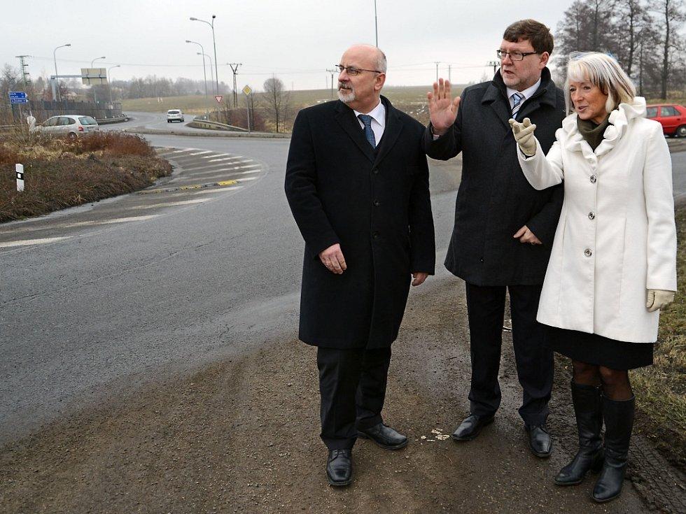Ministr Zbyněk Stanjura (uprostřed) navštívil Havlíčkův Brod.