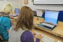 Soutěž v psaní všemi deseti se konala na Obchodní akademii a hotelové škole v Havlíčkově Brodě.