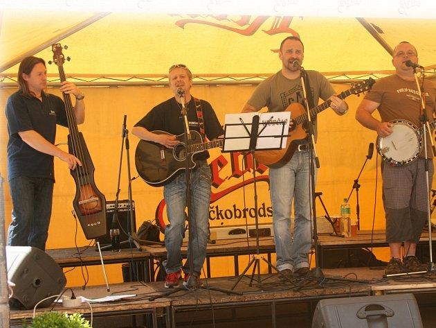 Formace Wobčas zahraje na začátku sobotního hudebního maratonu, celkem své umění předvede ještě šest dalších kapel.