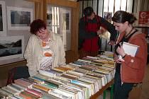V březnu, měsíci čtenářů, nebude chybět ani oblíbená burza vyřazených knih.
