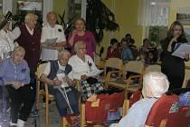 O kulturní program při  výročí  10. narozenin Domova seniorů v Reynkově  se postarali i sami obyvatelé. Velký potlesk sklidil pěvecký sbor obyvatelek  Jiřiny.