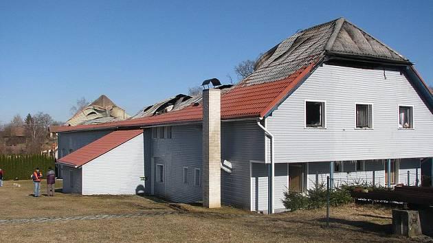 Požár skladu spojovacího materiálu ve Vísce u Chotěboře.
