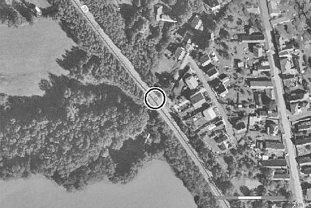 Kde si dát pozor. Na leteckém snímku je vyznačeno rizikové místo na silnici v Habrech na Havlíčkobrodsku. Reprofoto:
