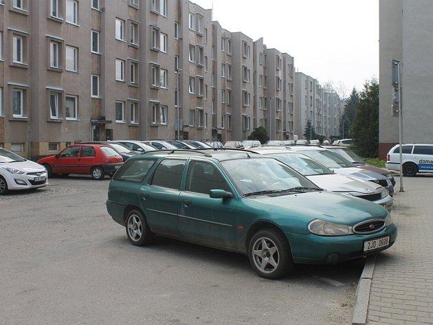 V Rámech v současné době chybí zhruba 110 parkovacích míst.