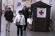 Přispějte na dobrou věc. Celé tři dny bude na Havlíčkově náměstí  stánek Českého červeného kříže. Výtěžek z prodeje výrobků pomůže nemocným dětem.