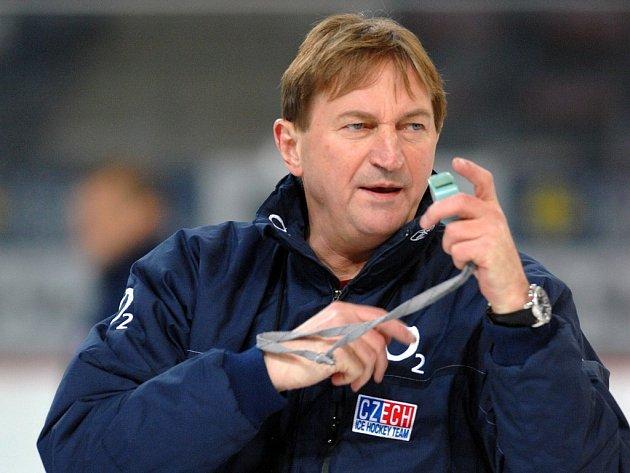 Trenér české hokejové reprezentace Alois Hadamczik musí v nejbližších čtyřech týdnech vyřešit složitý nominační rébus.