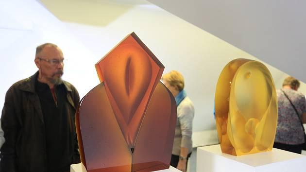 Vernisáž výstavy Sklo ve světelské galerii Na Půdě