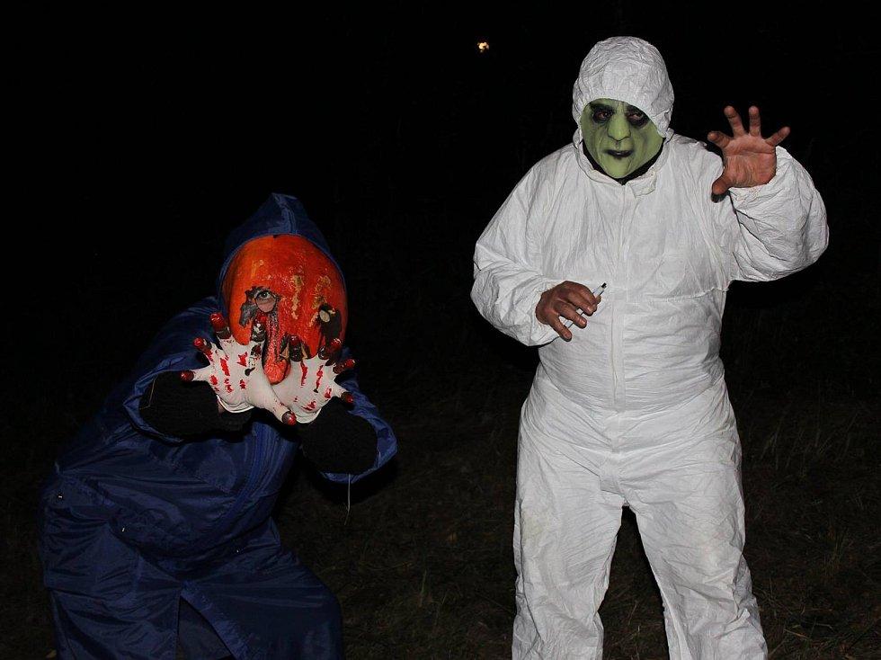 Strašidelnou stezku pro děti 8. září připravili dobrovolníci z Mírovky.