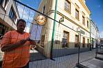 Práce na rekonstrukci Dolní ulice v Havlíčkově Brodě dne 2. července 2020.