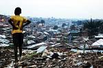 Kibera: příběh slumu.