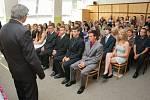 Slavnostní předání vysvědčení deváťákům lipské základní školy.