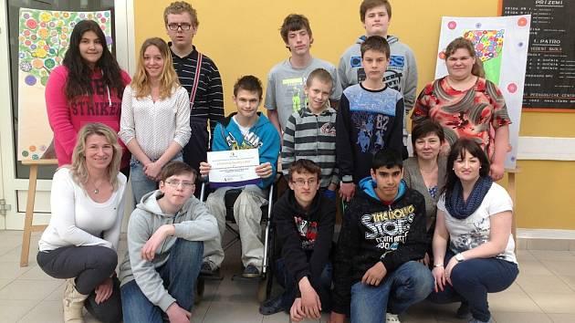 Žáci a pedagogové, kteří se zapojili do projektu Town.