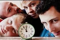 Za pět minut dvanáct? Ne, až po půlnoci! Už 18. ročník tradičního hudebního festivalu Stock Dobrohostov u Lípy zakončí v sobotu hluboko po půlnoci kapela El´Brkas z Věže. V neděli pak bude letní parket patřit dechovce.