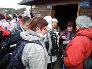Klub českých turistů Havlíčkův Brod letos pořádal již 35. novoroční sestup do údolí řeky Doubravy.