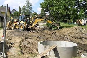 Kanalizace pro Dobrou a Keřkov stála skoro 50 milionů.