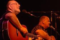 Bratři Nedvědové už spolu často nekoncertují. I proto bude středeční večerní koncert v havlíčkobrodském kulturním domě Ostrov výjimečným zážitkem pro fanoušky obou zpívajících sourozenců.
