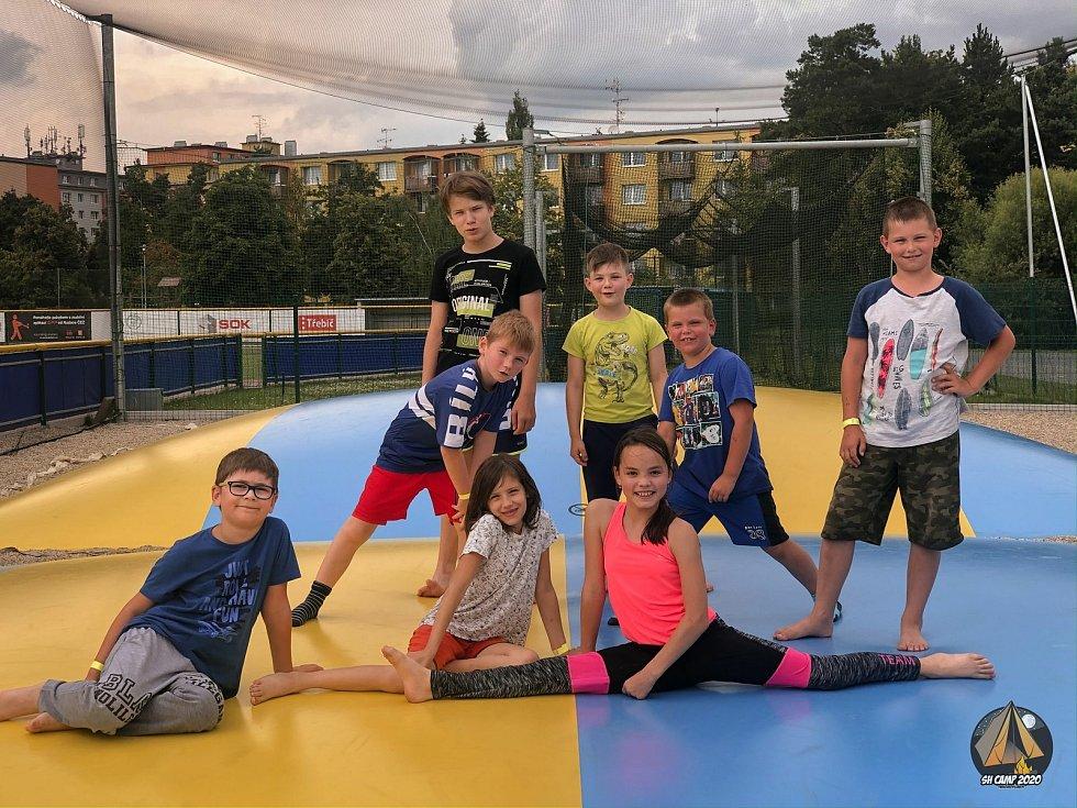 Léto plné zážitků slibují příměstské tábory v Třebíči, Dačicích a Telči.