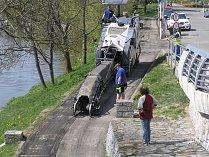 Cyklostezka na Kalinově nábřeží v Brodě prochází opravou.