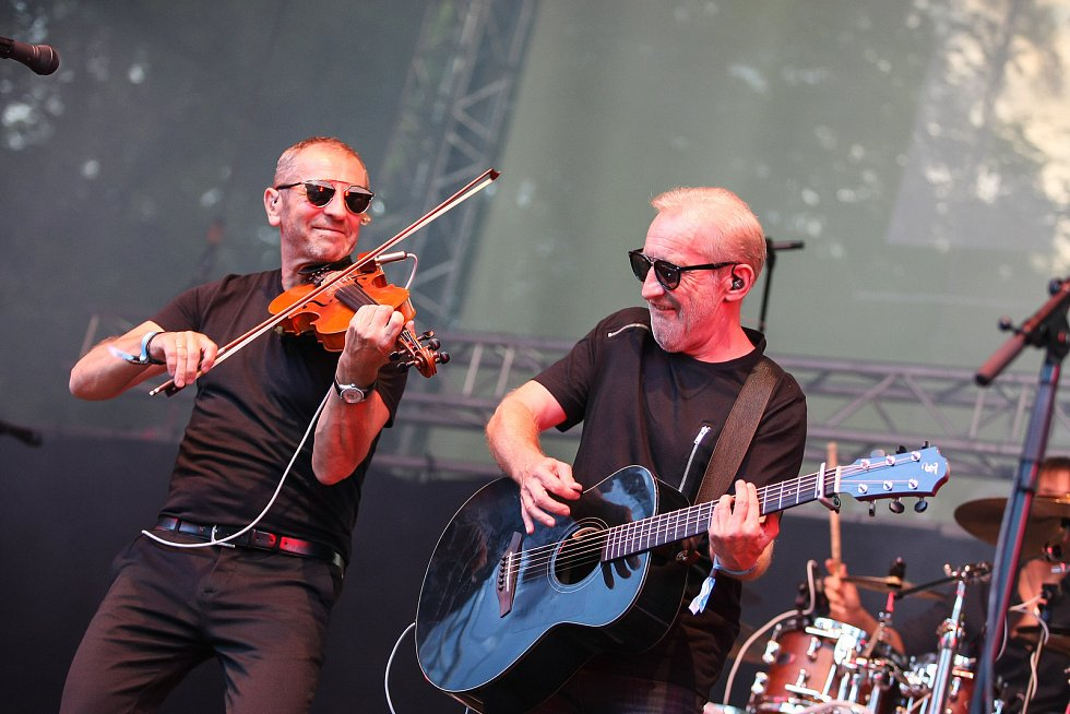 Druhý den sedmnáctého ročníku hudebního festivalu Sázavafest ve Světlé nad Sázavou.
