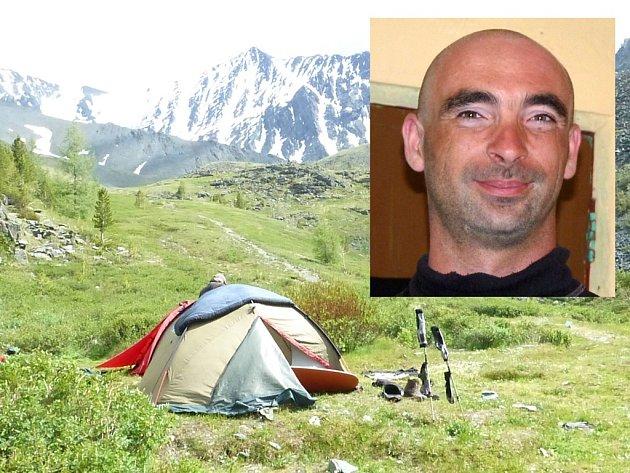 Perknovský cestovatel Jiří Váňa (ve výřezu) se zatím nevrátil z bulharských hor.