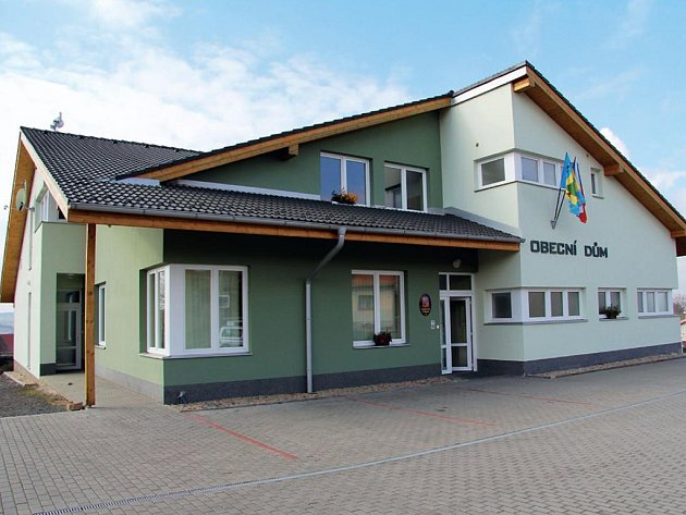 Obecní dům ve Vilémovicích.