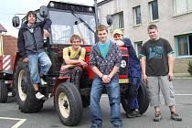 Na jedné ze soutěží, kterých se žáci ze Světlé účastní, se dařilo světelské pětici (na snímku) Filip Dušek, Jan Lebruška, Josef Antl, Martin Rut a Jan Chadraba.