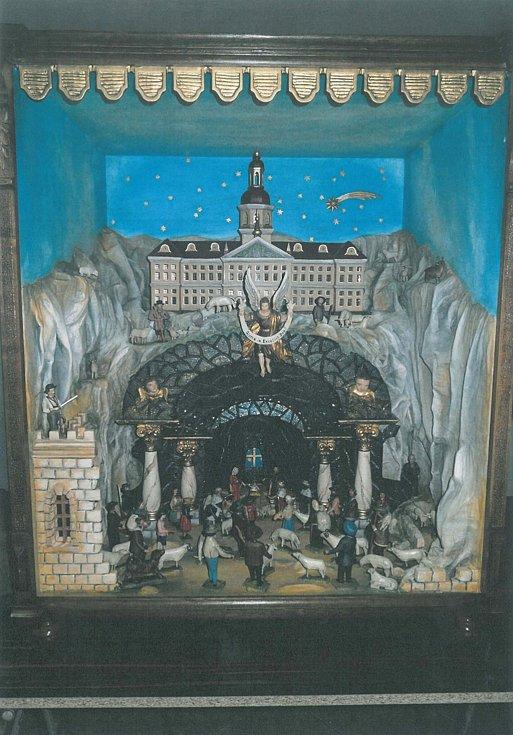 Detail z rozměrného betlému, který Josef Pleva letos vytvořil a opravil pro soukromého sběratele.